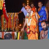 50 Arriving_in_Car_Street_Srikrishna_Darshan_at_Bhakta_Kanakada