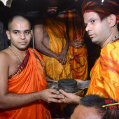 64 Entry_to_Srikrishna_Matha_05-Ceremonial-Transfer-of-H-170x17