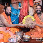 Felicitation_By_Lakshmivarathirtha_Swamiji_On_14_Jan_2014_AN