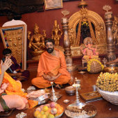 Felicitation_By_Lakshmivarathirtha_Swamiji_On_14_Jan_201_007