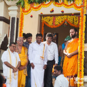 Shri Swamiji being welcomed at Jodukatte