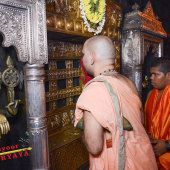 Visit_to_Srikrishna_Matha_for_Tarakari_Muhurtha_for_Firs_003